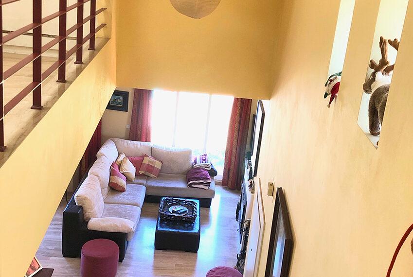 19-escalera-salon