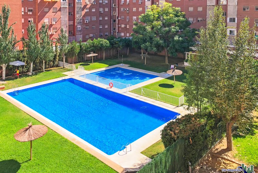 084-piscina