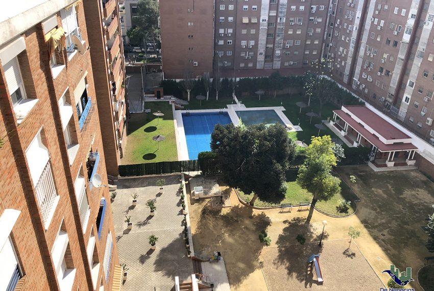 086-piscina
