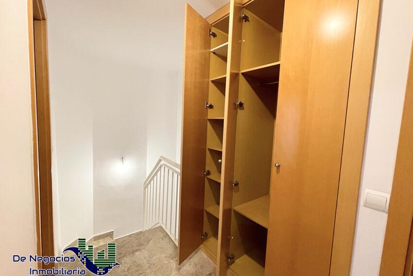 064-armario-escalera